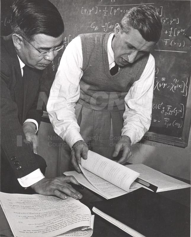 'Research News' Photos 1953 (of Fellows) 006