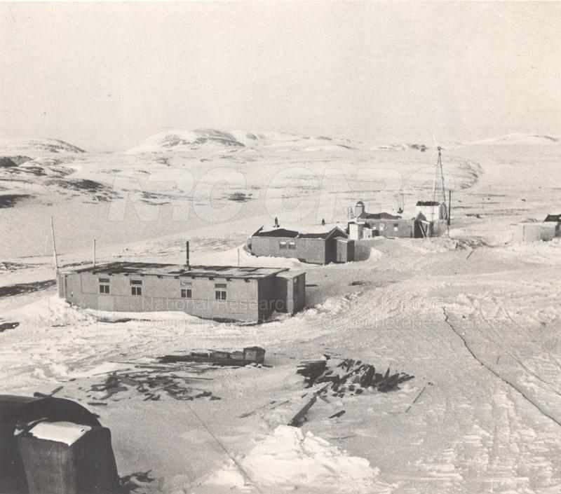 Alert and Resolute Bay Meteorology 1953-1954, 1957 001