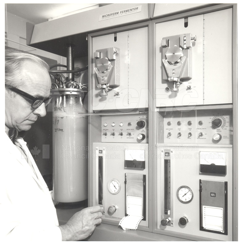 Microferm Fermentor Horace Tessier