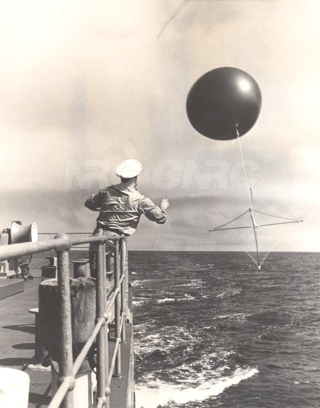 Alert and Resolute Bay Meteorology 1953-1954, 1957 005