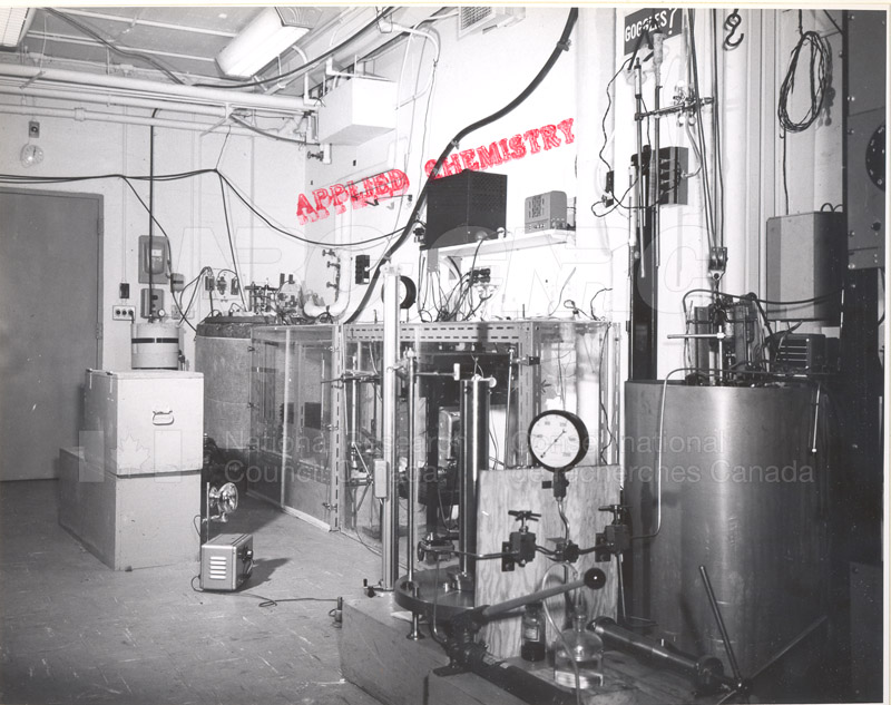 Applied Catalysis- Apparatus for Measuring the Compressibility of Liquids May 29 1959
