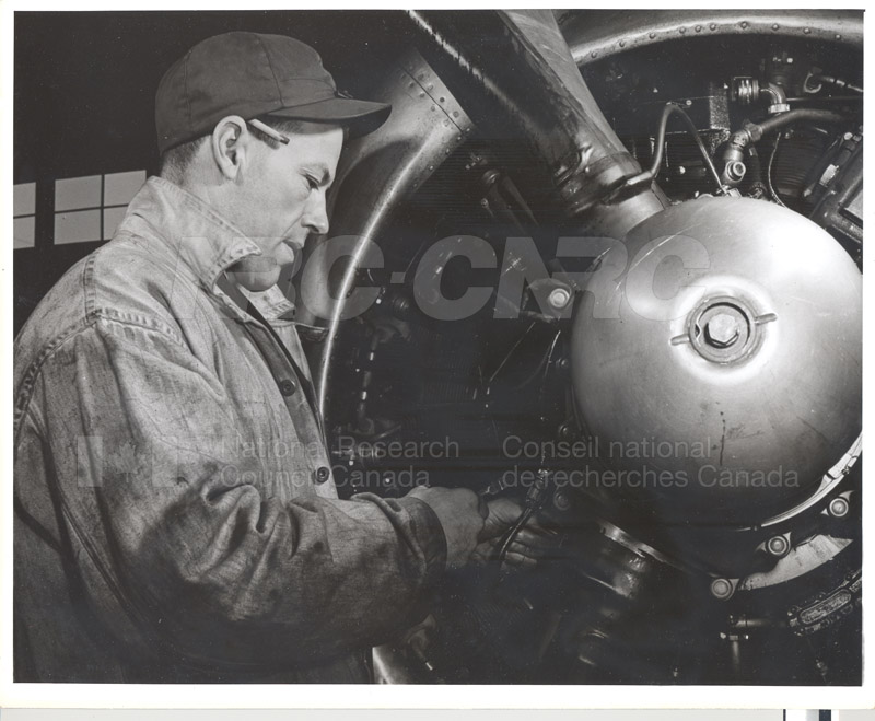 Special Aircraft Aids Icing Research 1947 003
