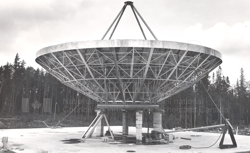 Algonquin Observatory- 10 Metre Reflector on Temporary Mount Aug. 1 1961 001