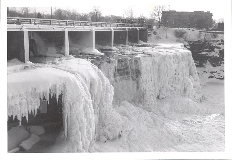 ICE Spring Breakup 1959 004