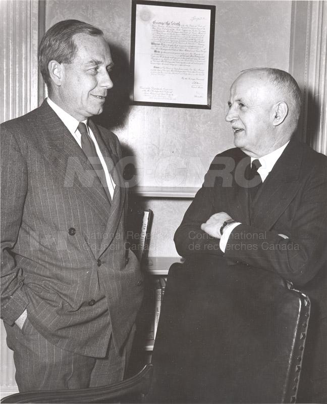 Atomic Energy Canada E.W.R. Steacie w. C.J. MacKenzie 1952 003