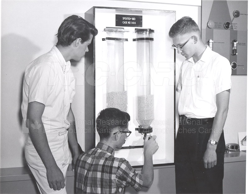 Visit of Summer Science Students 1965 002