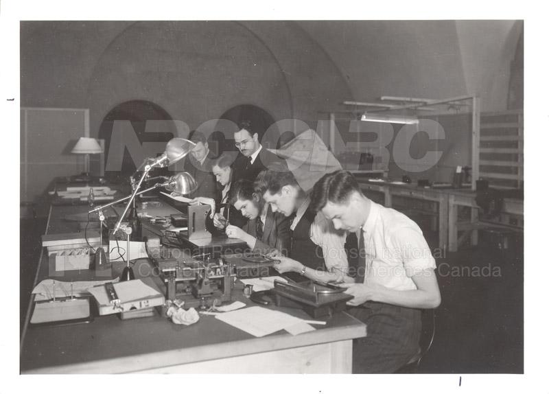 Munitions Gauge Laboratory 1939 002
