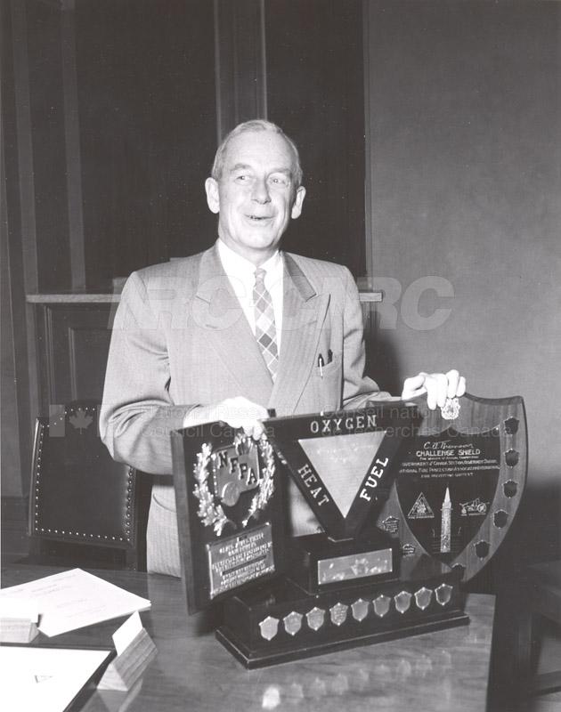 Presentation of Awards for Fire Prevention Contest Winner NRC, Dr. Steacie, J. Elliott 1961, 1962 010