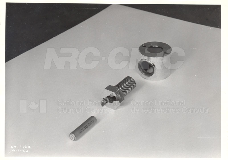 Chemical Cartridge Type Charge Heater Jan. 4 1952 002