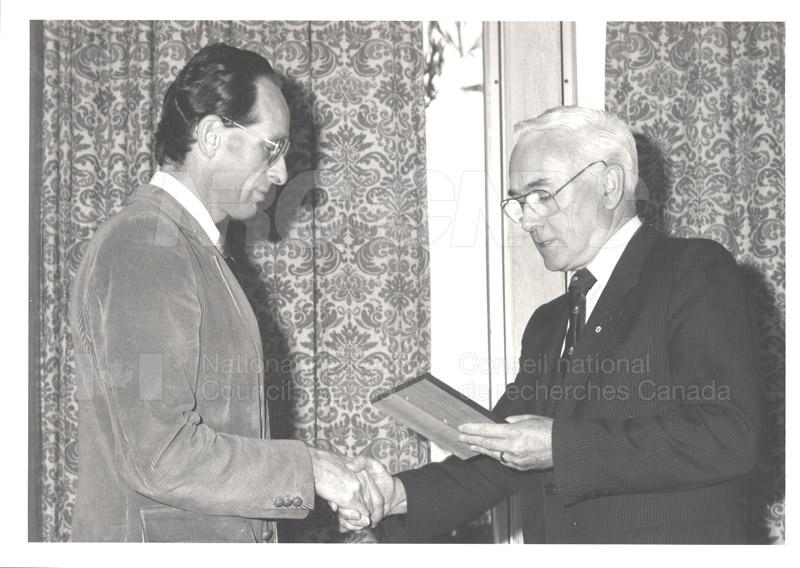 Présentation des 25 ans de service, nov. 1985 009
