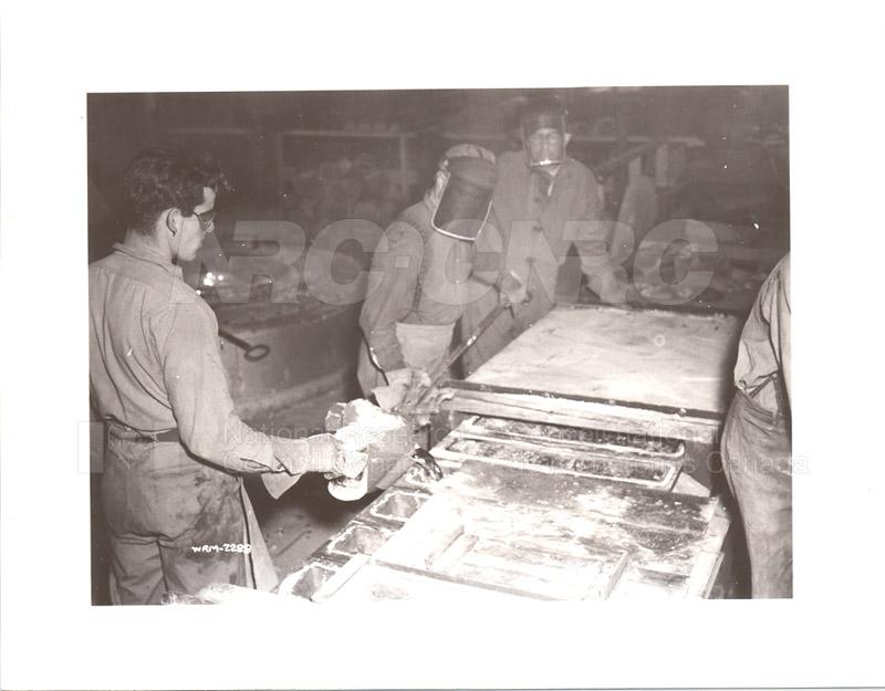 Dominion Magnesium Ltd. environ 1942 016