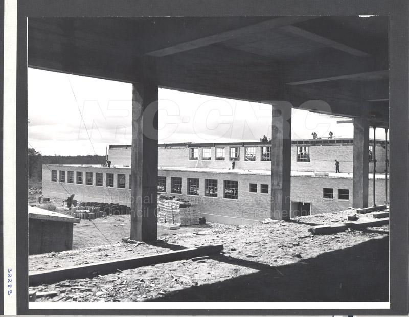 Construction de M-50 17 septembre 1952 #3228 002